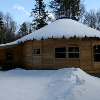 35'-WOODEN-YURT-VERMONT-SNOW