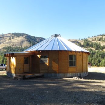 SMILING-WOODS-YURTS-35'-EXTERIOR-ANGLE